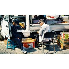 .@_____sim | #바둑#노인#과일#트럭#길거리#서울#baduk#street#seoul#iphone5 | Webstagram