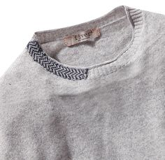 Sweater with chevron knit collar detail; knitting; knitted textiles for fashion // Fiver