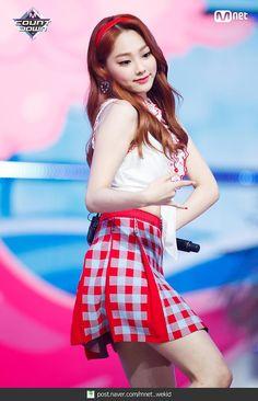 A Girl Like Me, Cool Girl, South Korean Girls, Korean Girl Groups, Sun And Clouds, Sistar, Asian Fashion, Kpop Girls, Skater Skirt