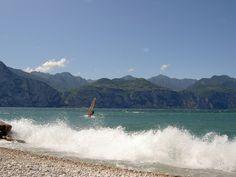 Windsurfing at the Lake Garda.  Windsurfing am Gardasee.