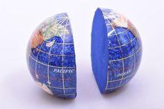 Lapis Lazuli edelsteen wereldbol, boekensteun - Gems and Giftshop