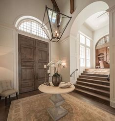 Dreamin of these beautiful foyers!which foyer you like bett Room Interior Design, Interior Decorating, Decorating Ideas, Decor Ideas, Foyer Design, House Design, Home Decor Trends, Diy Home Decor, Boston House