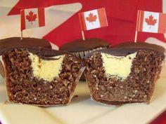 Nanaimo Bar Cupcakes by C Cakery Köstliche Desserts, Chocolate Desserts, Delicious Desserts, Chocolate Ganache, Chocolate Decorations, Baking Cupcakes, Cupcake Recipes, Cupcake Cakes, Yummy Cupcakes