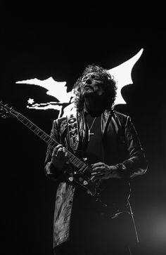 Tony Iommi..............