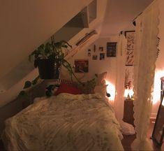 Bedroom Inspo, Bedroom Ideas, Bedroom Decor, Comfort Room, Attic Rooms, Room Goals, Earthship, Aesthetic Room Decor, Personal Space