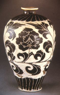 Chinese pottery / Song Dynasty Glass Ceramic, Ceramic Pottery, Pottery Art, Ceramic Art, Chinese Ceramics, Art Nouveau, China Painting, Chinese Antiques, Porcelain Ceramics