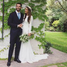 Embelesadas con las fotos que nos manda Blanca del día de su boda. ¡¡Felicidades pareja!!