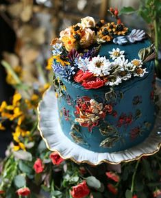 hand painted buttercream wedding cake wedding cakes with cupcakes Your Wedding Cakes - Aspire Wedding Pretty Cakes, Beautiful Cakes, Amazing Cakes, Beautiful Desserts, Buttercream Wedding Cake, Buttercream Flowers, Wedding Cake Cupcakes, Cheesecake Wedding Cake, Cake Cookies