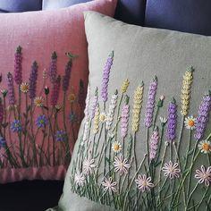 "133 curtidas, 3 comentários - peko프랑스자수 (@kang_embroidery) no Instagram: ""드뎌 완성이요~ #프랑스자수 #자수쿠션 #embroidery"""