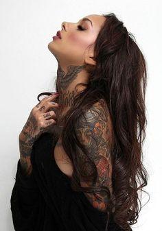 beautiful tattooed girl