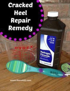 Cracked Heel Remedy - For Super Soft Feet! Cracked Heel Remedy Combine 2 cups of hydrogen peroxide and 2 cups of hot water in a foot soak. Sit for a full 30 minutes with your heels completely immersed in the solution. Completely dry your feet and immediat Homemade Beauty, Diy Beauty, Beauty Hacks, Cracked Heel Remedies, Cracked Heel Relief, Foot File, Tips Belleza, Belleza Natural, Health And Beauty Tips