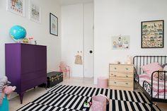 Vitbehandlat brädgolv & ljusmålade väggar