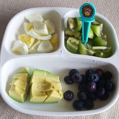 Lunch: eggs/kiwi/avocado and blueberries. He cleaned his plate and also had a banana afterward.  #bigbossledweaning #bigbossbites #blw #babyledweaning #18months #replayrecycled #toddlermeals #babymeals #pickeaseplease #pickease #pickeasefun #funwithfood #Lunch #Eeeeats #yum #yumr #yummy #feedfeed
