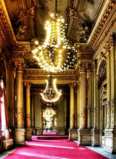 Images Teatro Colon in Buenos Aires Crystal chandeliers
