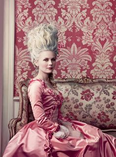 Since we're celebrating c + high fashion, here's one of my favorite Vogue covers - Kirsten Dunst as Marie Antoinette photographed by Annie Leibovitz at Versailles. This version of Marie Antoinette is my favorite costume movie ever. Sofia Coppola, Costume Marie Antoinette, Marie Antoinette Film, Kirsten Dunst Marie Antoinette, Annie Leibovitz, French Beauty Secrets, Rococo Fashion, 18th Century Fashion, Mode Vintage