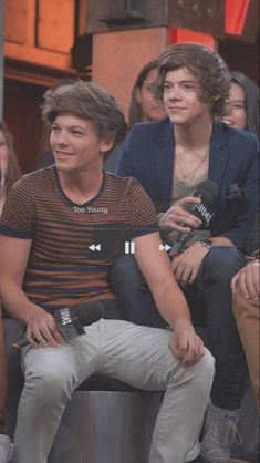Larry Stylinson, Louis Y Harry, Louis Tomlinsom, One Direction Harry, One Direction Pictures, Direction Quotes, Zayn, Niall Horan, Imprimibles One Direction