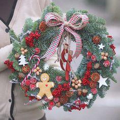 "leranel på Instagram: ""Christmas wreath❤🎅 Cute gingerbread man by @ulyana.str #merrychristmas #christmas #gingerbread #gingerbreadman #candy #red #newyear…"" Christmas Wreaths, Holiday Decor, Flowers, Home Decor, Decoration Home, Room Decor, Florals, Flower, Blossoms"