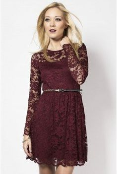 Belted scalloped lace