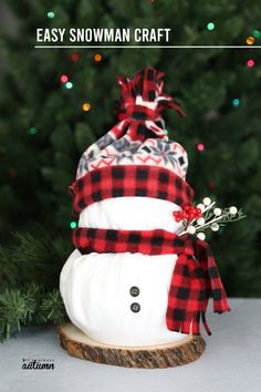 Toilet Paper Snowmen {Easy Christmas Craft} - It's Always Autumn Christmas Picks, Easy Christmas Crafts, Thanksgiving Crafts, Simple Christmas, Christmas Ideas, Christmas Things, Christmas Baubles, Christmas Ornament, Holiday Ideas