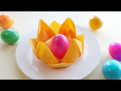 How do you fold a napkin into a basket? DIY Easter decorations How do you fold a napkin into a basket? Diy Easter Decorations, Decoration Table, Napkin Folding, Paper Folding, Architecture Pliage, Diy Osterschmuck, Craft Work, Earthy, Quilling