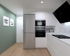 35 Cool Kitchen Organization Ideas That You Will Enjoy Kitchen Room Design, Kitchen Corner, Interior Design Living Room, Kitchen Dining, Kitchen Decor, Kitchen Cabinets, Kitchen Organization, Organization Ideas, Küchen Design