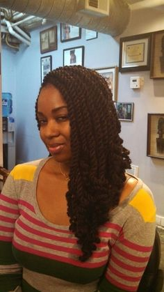 Big juicy senegalese twist with dark brown hair on top and black hair in the back. Great protective style!    http://www.howtoblackhair.com