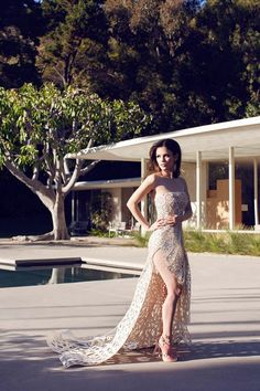 RACHEL BILSON HART OF DIXIE HOLLYWOOD BOMBSHELL MARIE CLAIRE MEXICO COVER STAR STORY CAT EYE LINER BEAUTY VOLUME HAIR LASER CUT FLORAL PRINT...
