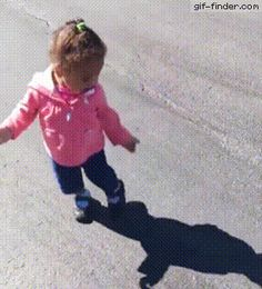 This baby girl is so scared from her shadow. http://gif-finder.com/this-baby-girl-is-so-scared-from-her-shadow/