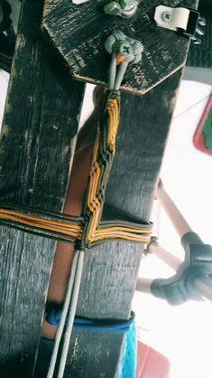 Paracord Bracelet Designs, Macrame Bracelet Tutorial, Bracelet Knots, Bracelet Crafts, Paracord Bracelets, Macrame Bracelets, Macrame Bracelet Patterns, Paracord Braids, Paracord Knots