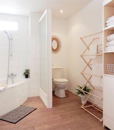 #Fresh #towels on show | Marlène's apartment, France // Schönes #Bad mit praktischem Equipment