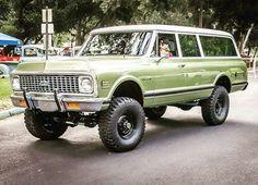 1972 Chevrolet Suburban K20 4x4