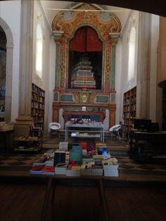 Iglesia reconvertida en librería en Óbidos (Portugal).