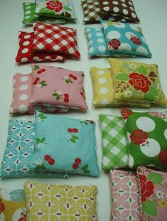 if i knew how to sew I would totally make these they are hot/cold packs