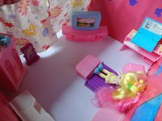 Dollhouse (bedroom)