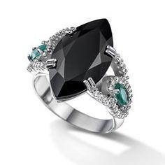 Anel em ouro branco 18k, 27 pts de diamantes, 2 esmeraldas e 1 quartzo negro - Coleção Veneza