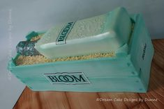 BLOOM GIN & CRATE ~ edible gin bottle and crate Bloom Gin, Gin Bottles, Designer Cakes, Dream Cake, Unique Cakes, Novelty Cakes, Biscuit Recipe, Cake Designs, Crates