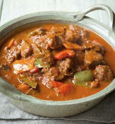 Beef goulash - Lots of peppers and paprika make a good bit of braising steak into something special. A great foot stomping feast from Hungary to stop you feeling hungry! Recipes With Beef And Rice, Diced Beef Recipes, Beef Steak Recipes, Goulash Recipes, Rice Recipes, Meat Recipes, Slow Cooker Recipes, Healthy Dinner Recipes, Cooking Recipes