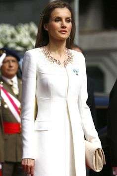 2 of 29NEXT PHOTO Princess Letizia of Spain Royal Profile: This princess was a journalist before her marriage to Felipe, Prince of Asturias, the heir apparent to the Spanish throne. Style Profile: Princess Letizia gravitates toward modern suiting and clean-cut shift dresses. Her style sense may be on the classic side, but she has a decidedly on-trend way of dressing it up. As far as details are concerned, she has an eye for cool oversized clutches and steers clear of frills