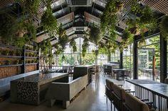 Gallery of ƯU ĐÀM Vegetarian Restaurant / Le House - 1