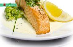 Losos s bylinkovou omáčkou je zdravé, lehké a voňavé jídlo, které rychle připravíme. Můžeme ho podávat s vařenýmmi bramb