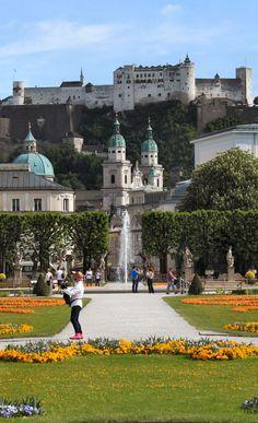 Salzburgo, en la parte superior la Fortaleza Hohensalzburgo, Austria