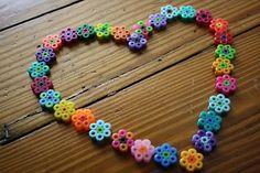 Perler Beads Daisy Heart - Perler Bead jewelry - Fuse bead designs - Perler Bead - Perler bead art - #perlerbead