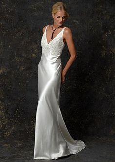ugusta Jones's Jade gown with plunging neckline. #RandyToTheRescue #BrideDay #Weddings