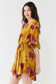 Slide View: 5: UO Suddenly Spring Ruffle Tie Dress