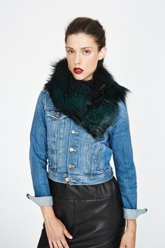 #Emerald Silver Fox Chelsea Fur Collar