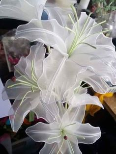 to make stocking lily flowers - Easy Craft Ideas Nylon Flowers, Wire Flowers, Organza Flowers, Kanzashi Flowers, Fabric Flowers, Peony Flower, Paper Flowers Craft, Flower Crafts, Nylon Crafts