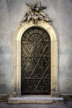 Warsaw, Poland, portal, entrance, door, doorway, ornaments, details, curve, step, weathered, aged, cracks, beauty, lovely