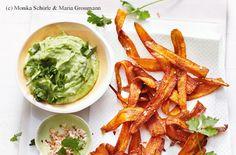 Karottenchips mit Rahm-Guacamole und Gewürzsalz