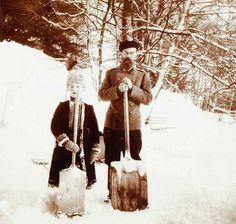 Tsar Nicholas II (R) of Russia and, heir to the throne, Alexei (L) shovel snow. Circa 1915-1918. [709 x 673] - Imgur