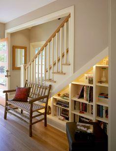 収納力もセンスもたっぷり!階段下を有効利用した素敵な収納スペースの写真38枚:小太郎ぶろぐ